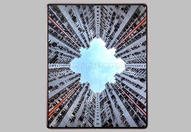 Layar Samsung Galaxy Z Fold2